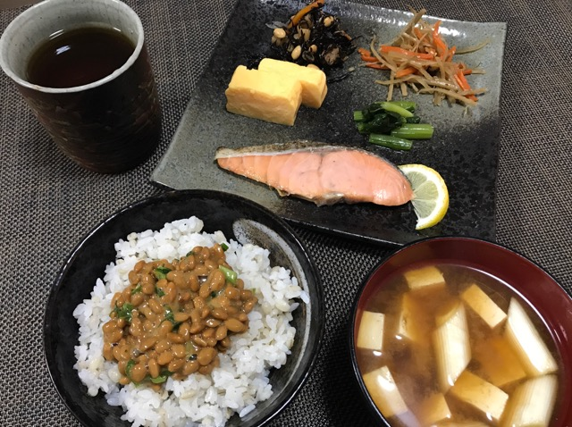 朝 ごはん 納豆