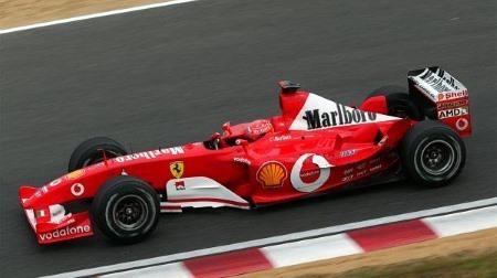 大阪でフェラーリF1デモ走行