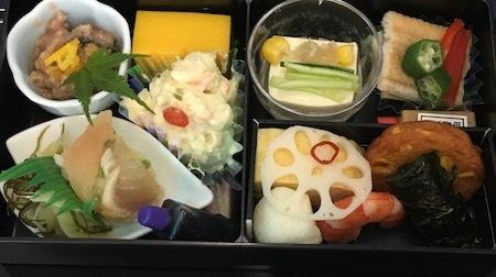 ANA859便 和食の機内食 前菜など