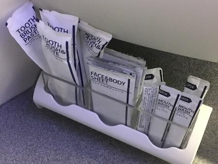 ANA859便 歯ブラシなど