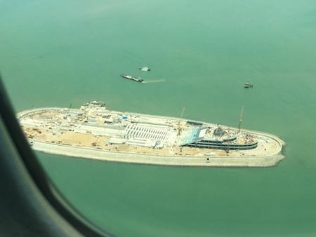 港珠澳大橋 海ほたる的なもの?