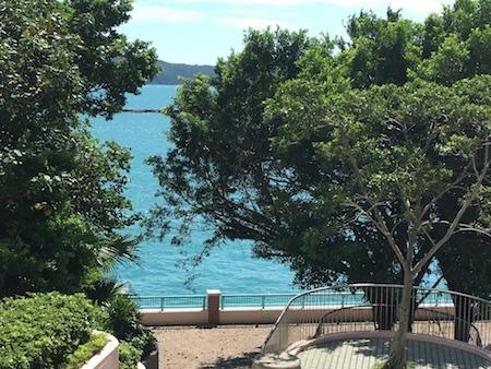 海怡半島エリア ショッピングモール 海が見えます