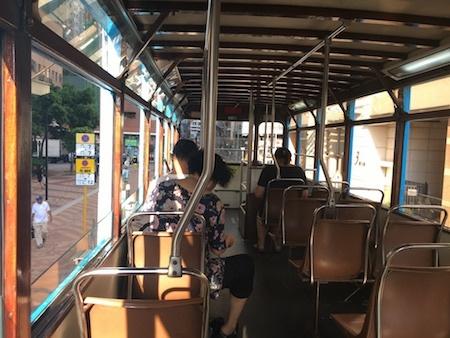 香港トラム 車内の雰囲気