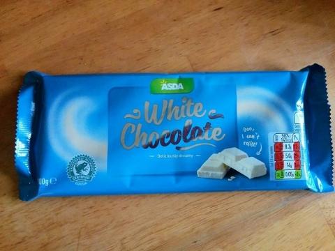 ドイツ製ASDAのホワイトチョコレート1