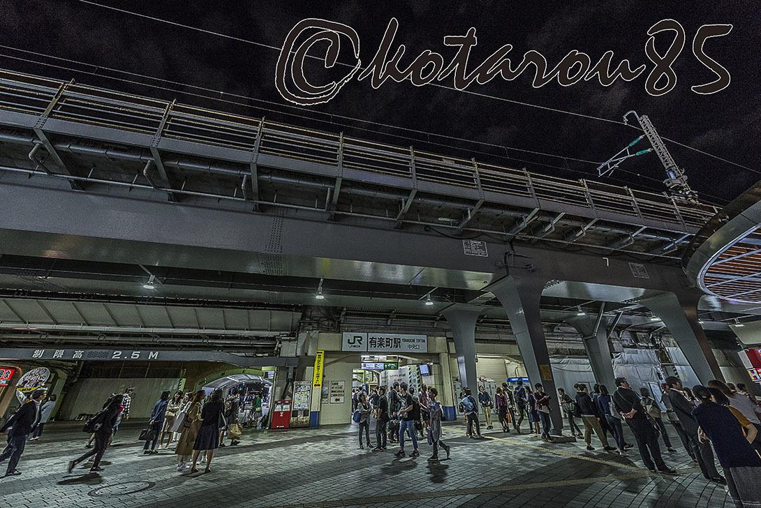 十五夜の有楽町駅前3 20171005