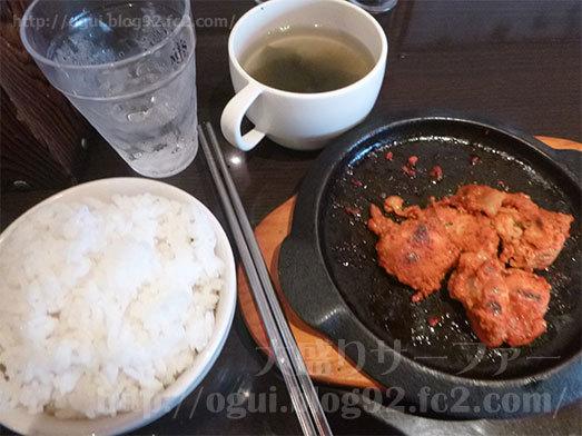 ご飯とスープを平らげる食欲050