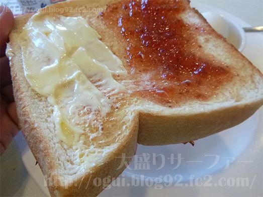 こんがりトーストされた食パン098