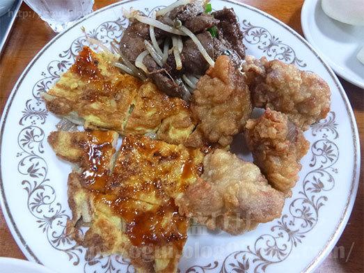 大皿に盛り付けた中華料理015