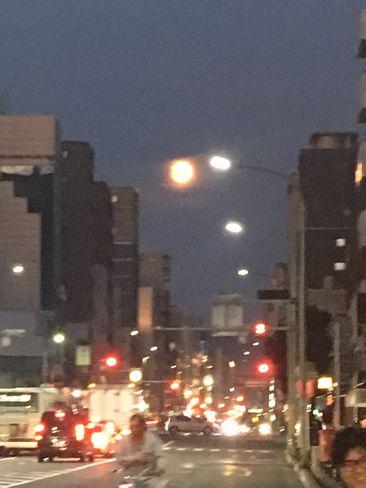 東山に上がる月_H29.11.03撮影