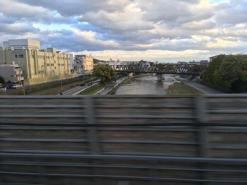 新幹線から鴨川_H29.11.04撮影