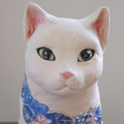 花猫のアップ-すず音窯#陶器の猫#陶芸作家めいこ