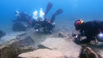 大瀬水中ダイバー1