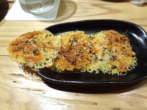 37桜エビのチーズカリカリ焼き
