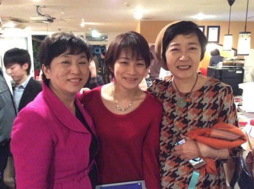 反日・東京新聞の望月衣塑子記者(中央)、左は福島瑞穂氏