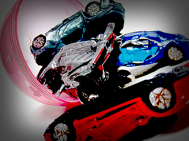 Scrapping_hyper-car_collection_01.jpg