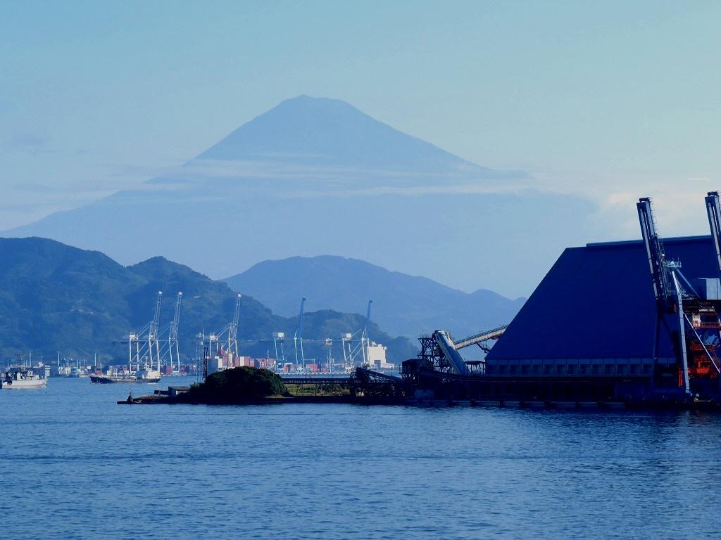 清水港からの富士山