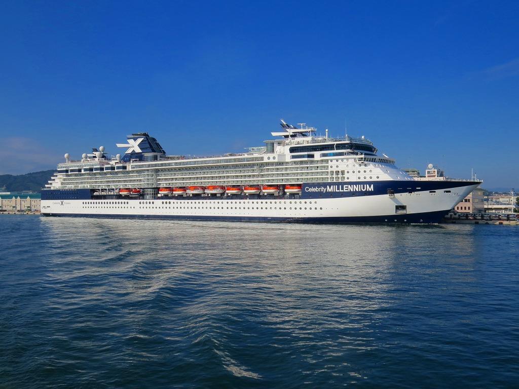 清水港停泊の豪華客船