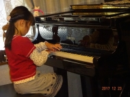 DSC00791ピアノ演奏1