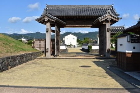 復元された萩城総門