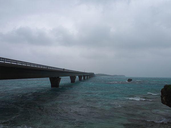 世渡崎と池間大橋