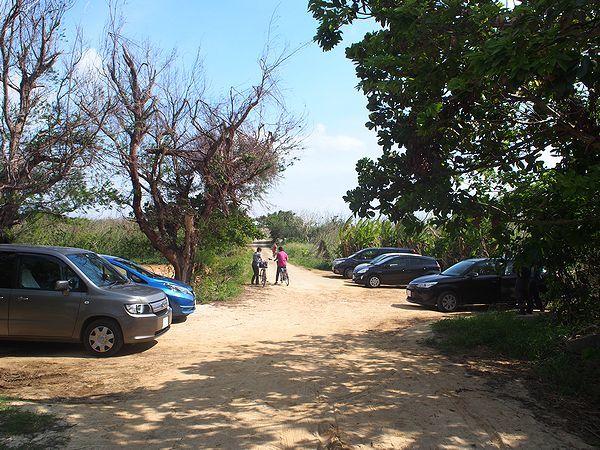 長間浜の駐車場