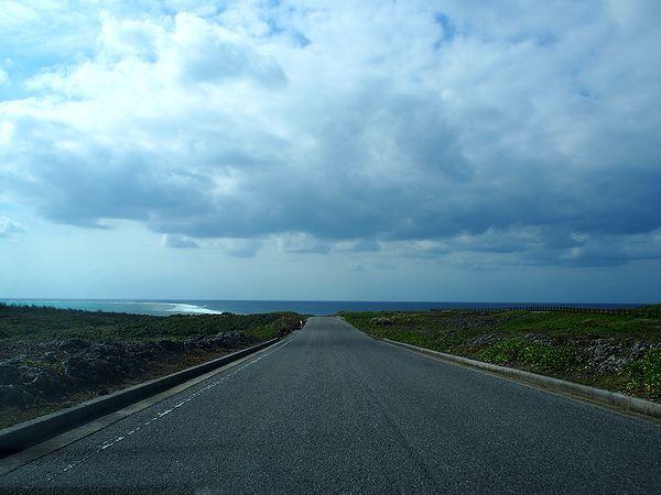 伊良部島の外周道路