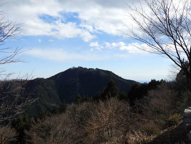 i 日の出山