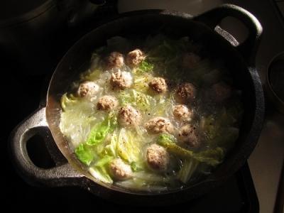 豚団子と白菜の鍋