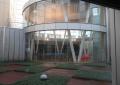 塔の下の円形講義室
