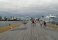 大さん橋から市街地を見る
