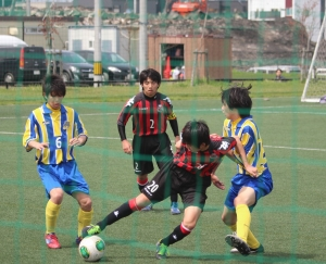 2013/05/18 カブスリーグ 札幌U-15vsSSSジュニアユース 藤村怜(20)、C吉田圭吾(2)