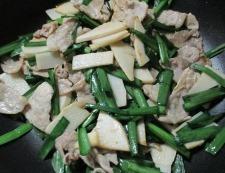 豚こまニラ玉の花椒炒め 調理④