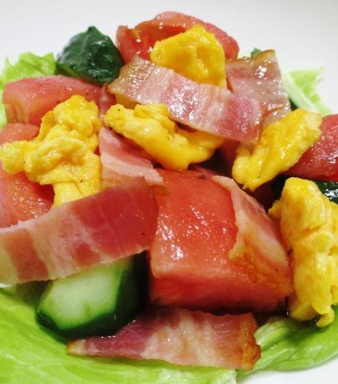 トマトとベーコンの炒り卵サラダ B