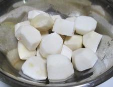 里芋の煮物 調理①