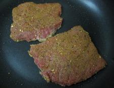 ビーフステーキ 調理②