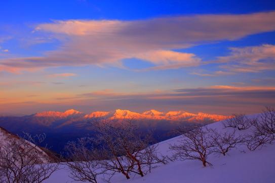 雲の映える南アルプスの夕景