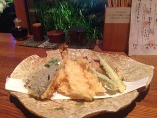 オッとこれも一昨日の天ぷら吹き寄せ盛り