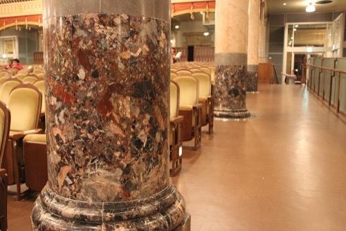 0001:大阪中之島公会堂 大集会室の柱