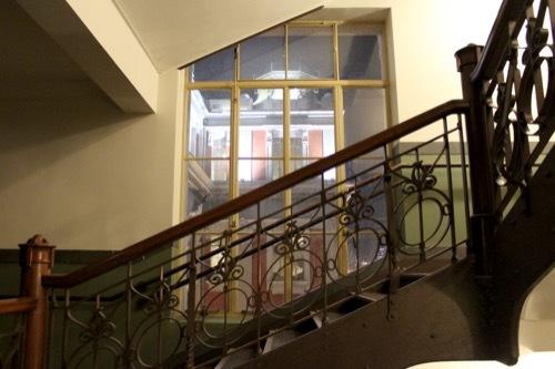 0001:大阪中之島公会堂 小集会室への階段①