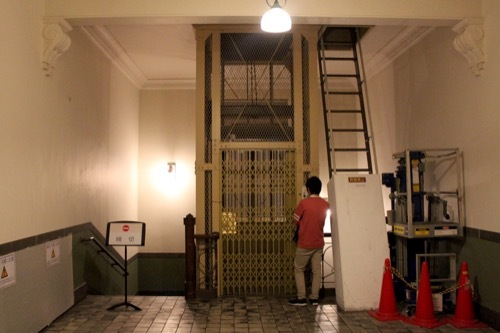 0001:大阪中之島公会堂 当時からのエレベーター