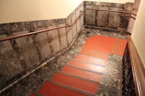0001:大阪中之島公会堂 特別室への階段②