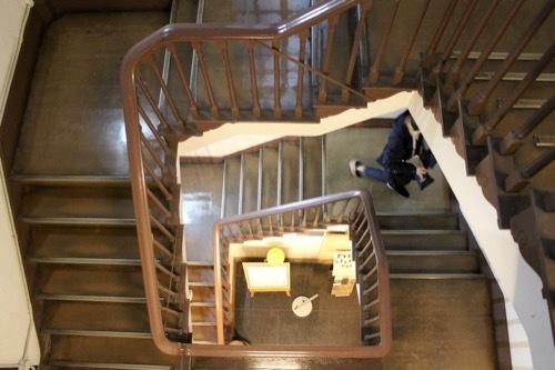 0187:青山ビル 2017階段ホール⑤