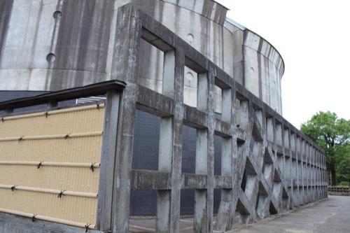 0271:小松市本陣記念美術館 外周のコンクリ格子②