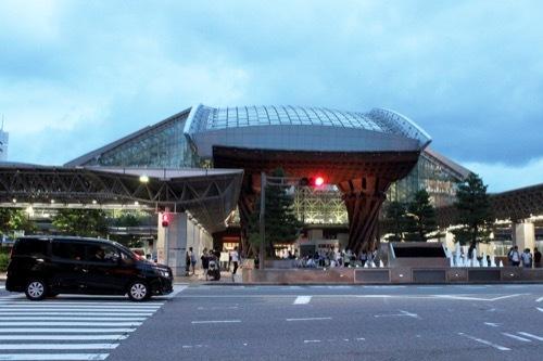 0272:金沢駅東広場 鼓門①