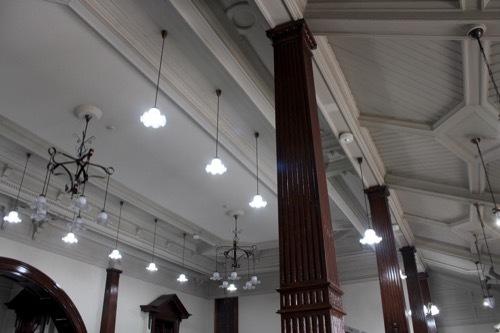 0274:尾張町町民文化館 天井を見る