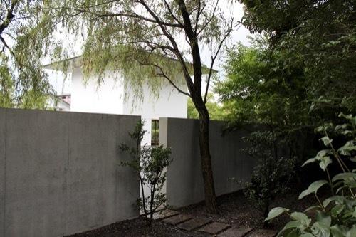 0281:鈴木大拙館 水鏡の庭の張出部から①