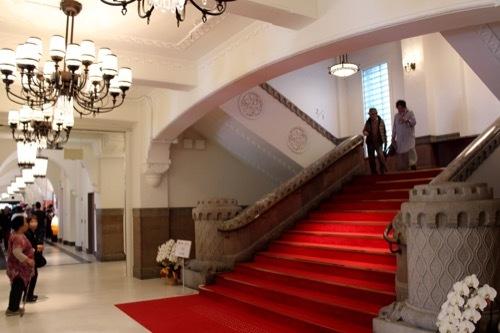 0283:ミライザ大阪城 階段①