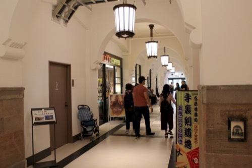 0283:ミライザ大阪城 1階廊下