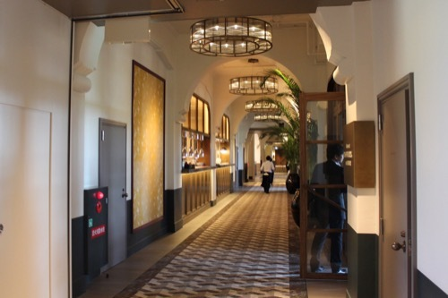 0283:ミライザ大阪城 各階廊下③