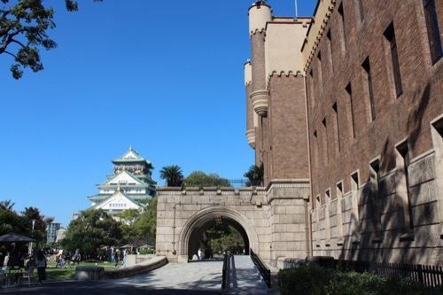 0283:ミライザ大阪城 ミライザと奥の大阪城
